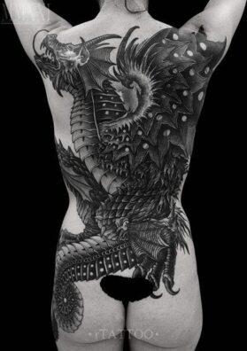 дракон тату женская