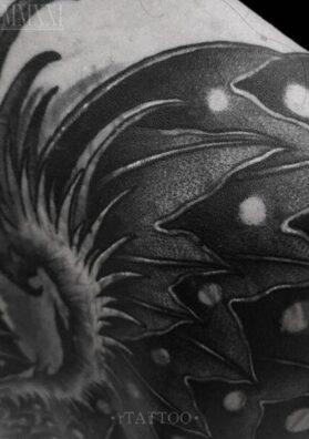 Крыло дракона тату