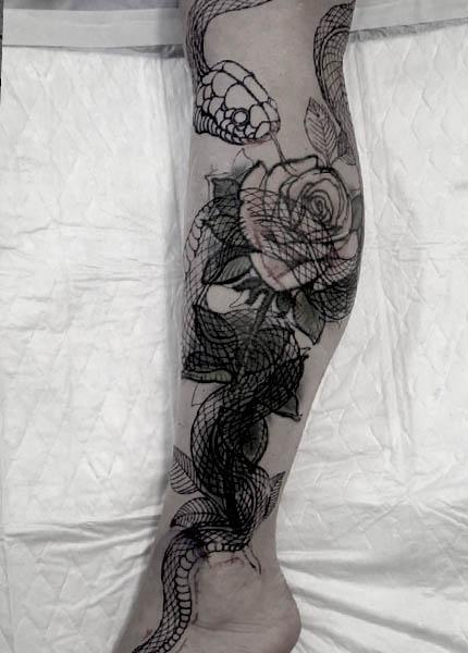 Перекрытие татуировки змея
