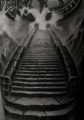 Тату лестница на руке