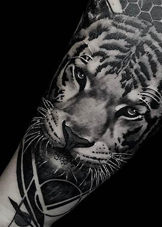 тату реализм тигр