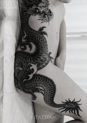 Тату японский дракон на бедре