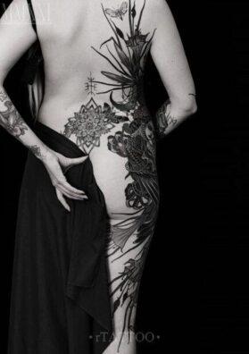 Татуировка Гамаюн на спине