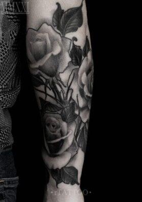 Татуировка три розы