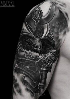 Воин тату на руке