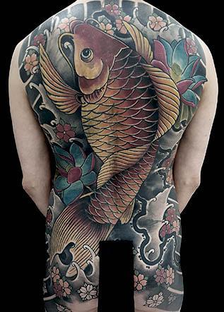 Японская тату кои лилии