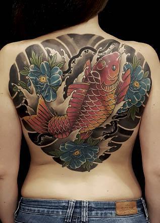 Японская тату кои пионы