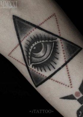 Тату око