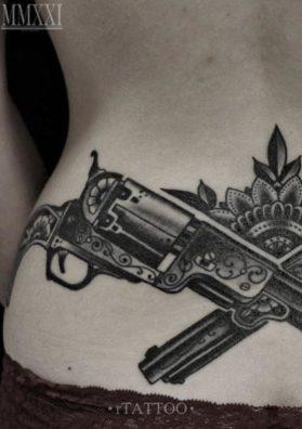 Тату револьвер 3