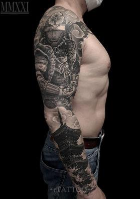 Тату на руке самурай